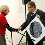 The picture presented to LT BANK Chairman of the Board Vitas Vasiliauskas. (Photographer Martynas Ambrazas)